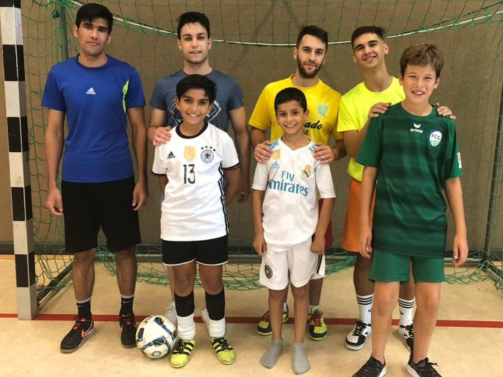 FCG-Futsaler trainieren D-Junioren