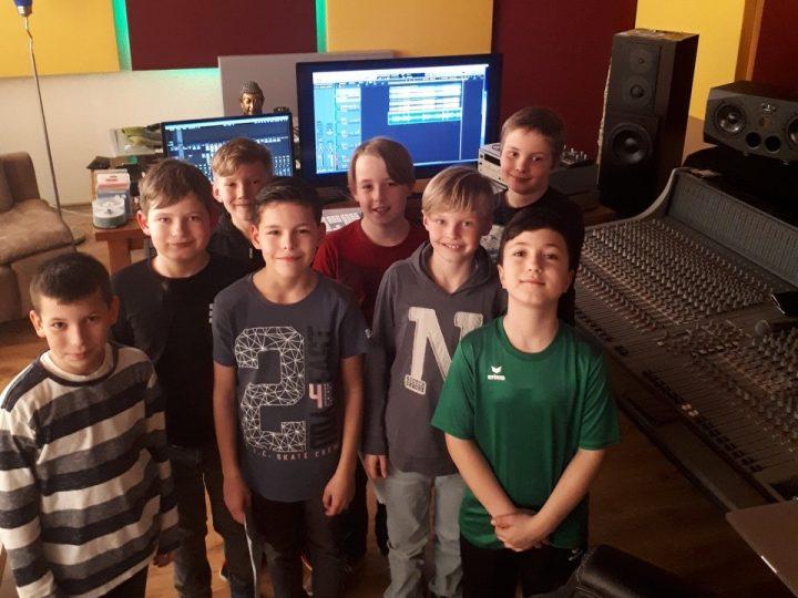 E3-Junioren mit einem Ausflug ins Tonstudio