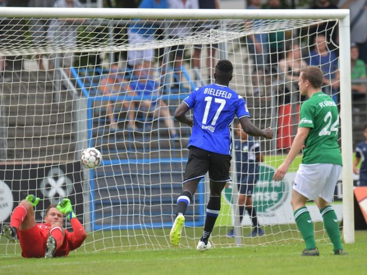 FC Gütersloh präsentiert Arminia gegen Norwich City