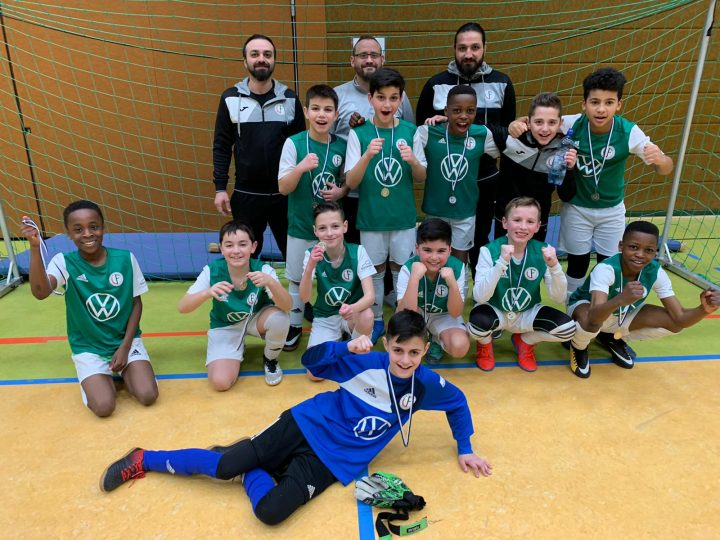 Sparkassen Junioren Cup: Doppelschichten beim E1-Junioren-Turnier